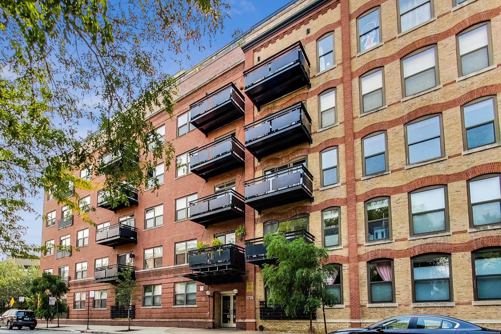 1735 W DIVERSEY Parkway 203, Chicago, IL 60614