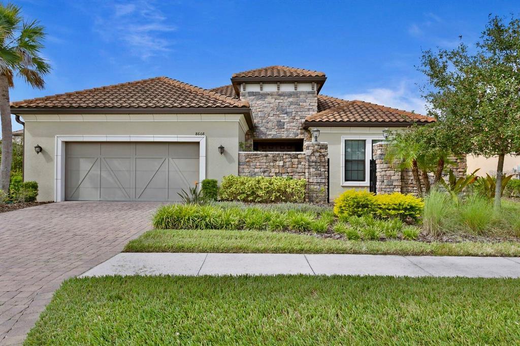 8608 Sorano Villa Drive, Tampa, FL 33647