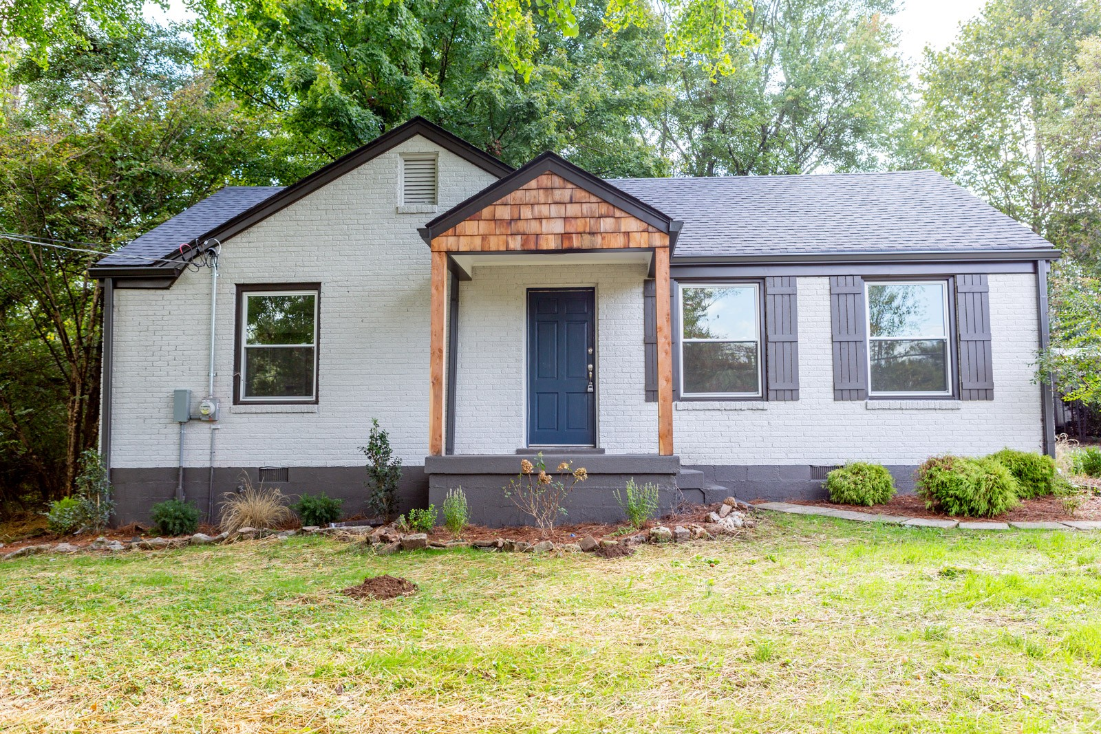 Come check out this newly renovated home in Nashville! Brand new everything from top to bottom - Stainless steel appliances, large open living room, and deep blue accents all around the home giving it a nice clean pop of color! Detached Garage! This home is move-in ready and won't last long, come get it before it's gone!