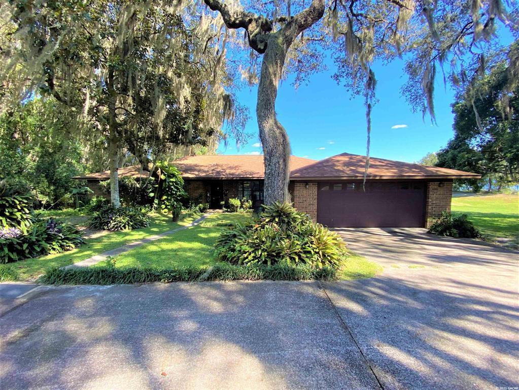 110 W Cowpen Lake Road, Hawthorne, FL 32640