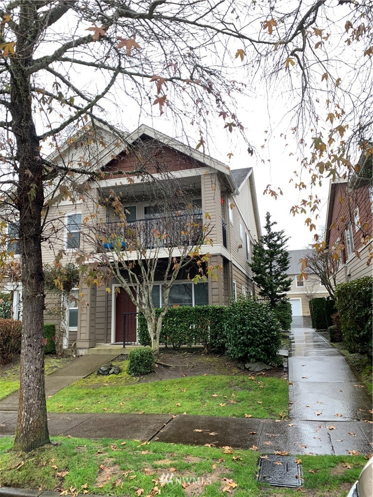 This highly desired 3 bedroom DuPont Condo has been well maintained and provides great location. Also this unit features oversized one car garage that is separate from the unit. Close to JBLM, trails, freeway and much more! With 1,332 square feet there is plenty of space! Do not miss out on this amazing opportunity! Great potential investment.