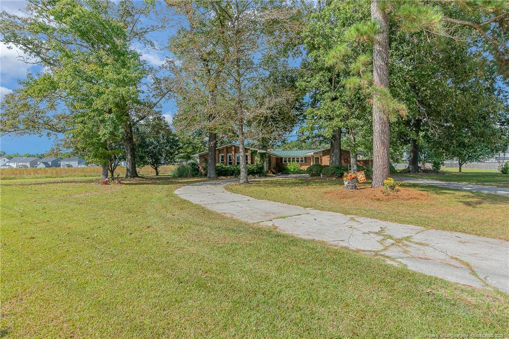 1821 Tom Starling Road, Fayetteville, NC 28306