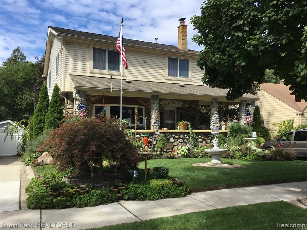 A VERY SPECIAL, ONE-OF-A-KIND HOME WITH A FOCUS ON CUSTOM DESIGN AND INNOVATION! WITH BEAUTIFUL ATTENTION TO DETAIL, THIS HOME BOASTS TWO FURNACES AND AC UNITS, CUSTOM SECOND-LEVEL DECK OFF OF THE MASTER BEDROOM, LUXURIOUS MASTER BATHROOM, TANKLESS HOT WATER, BEAUTIFUL BUILT-IN ENTERTAINMENT CENTER IN THE LIVING ROOM, LIGHTED STAIRCASE, GAZEBO AND LUSH LANDSCAPING. 18-INCH THICK WALLS.