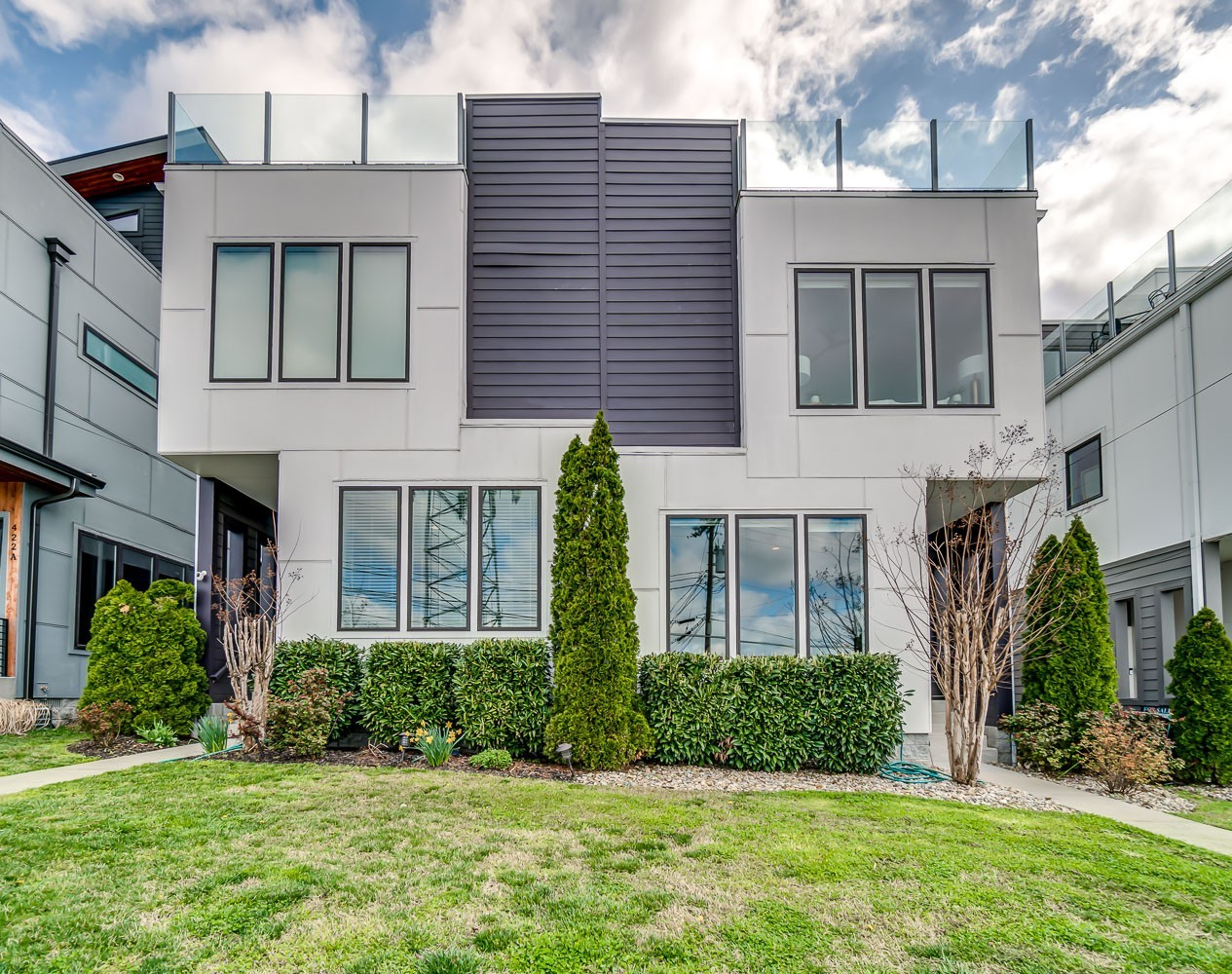 Modern Living in Sylvan Summit - West Nashville, just minutes to downtown Nashville, stainless appliances, quartz countertops, hardwoods throughout, two story screened porch, two rooftop decks, fenced back yard, beautiful views of West Nashville to enjoy all of the evening sunsets.
