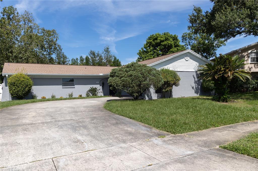 7525 Armand Circle, Tampa, FL 33634