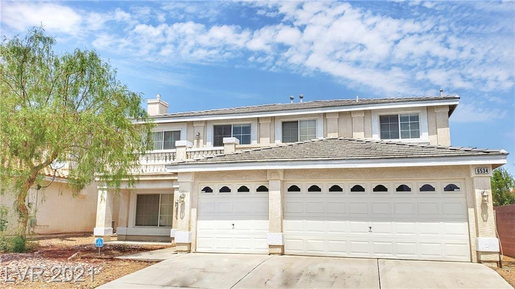 Great 2 story Southwest area home, 3,297 Sqf W/5 bedrooms, 3 baths and 3 car garage. Curved stairs, Granite kitchen countertop & breakfast bar. Loft, big masters, balcony...etc. Next to school, I-215 exit & shopping.......
