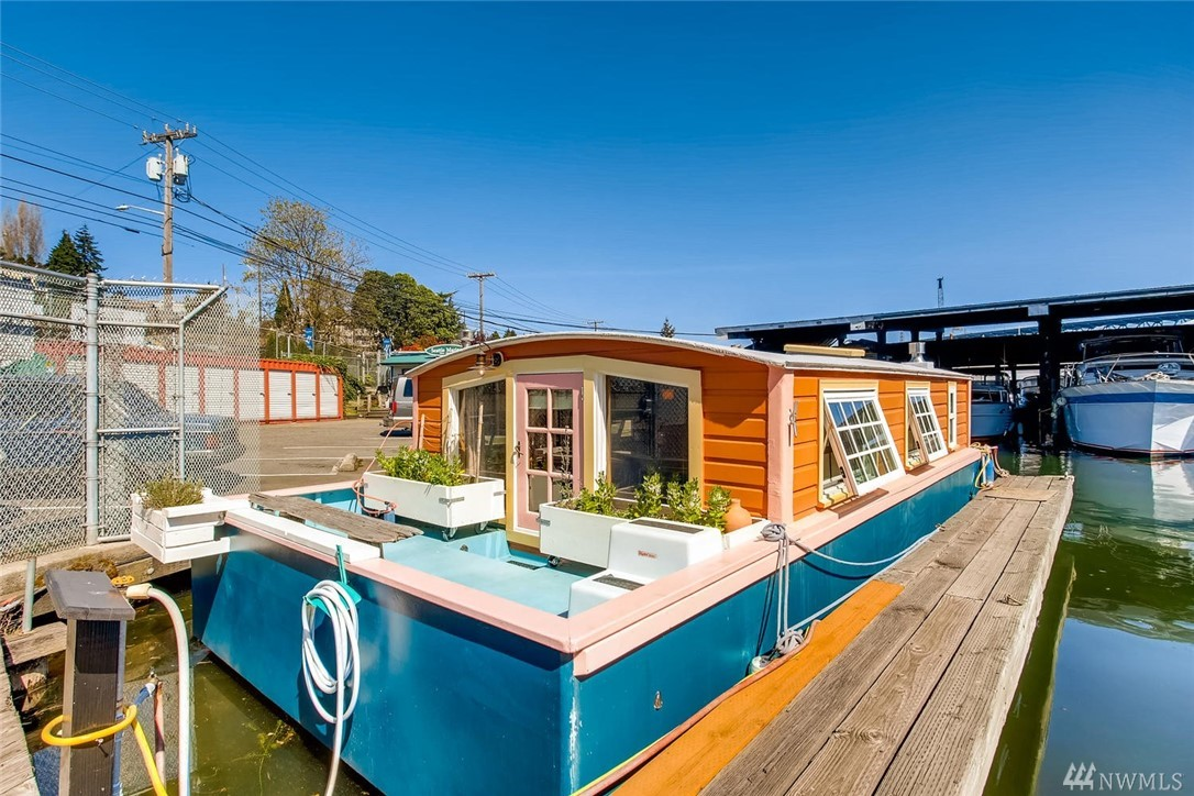 "Life moves at a different pace on Lake Union aboard ""ORCA"" a sweet remodeled Seattle houseboat. You'll appreciate that amazing wildlife, the friendly sense of community, the diversity that an urban lake brings, and the peacefulness that living on the water provides. Watch the sailboats during Duck Dodge, hop in a kayak and tour the lake, or just sit back on your deck and take in Lake Life. City approved FOWR #791. Rental slip $610 PM, includes liveaboard, water & garbage-No pets /No rentals."