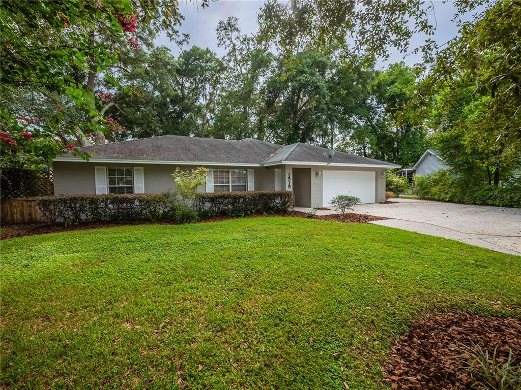 1515 New Jersey Oaks Court, Lakeland, FL 33801