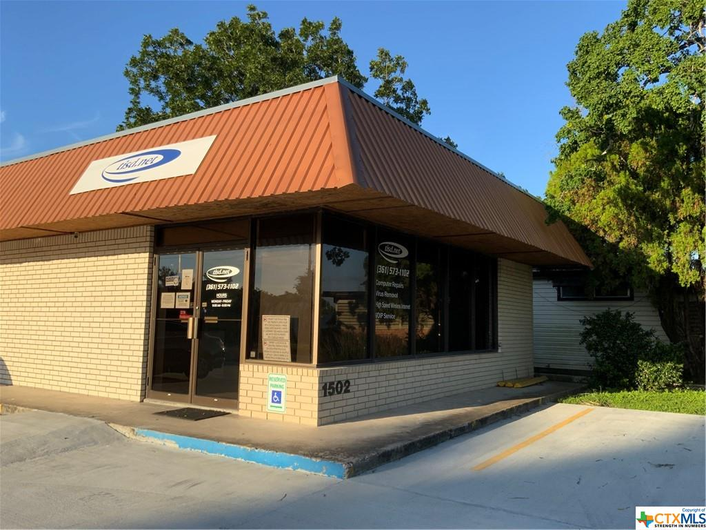 This building is ready for mixed retail and office use.  It does feature a basic commercial kitchen.