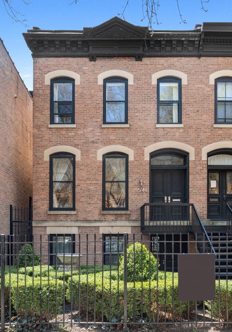 541 W Belden Avenue, Chicago, IL 60614