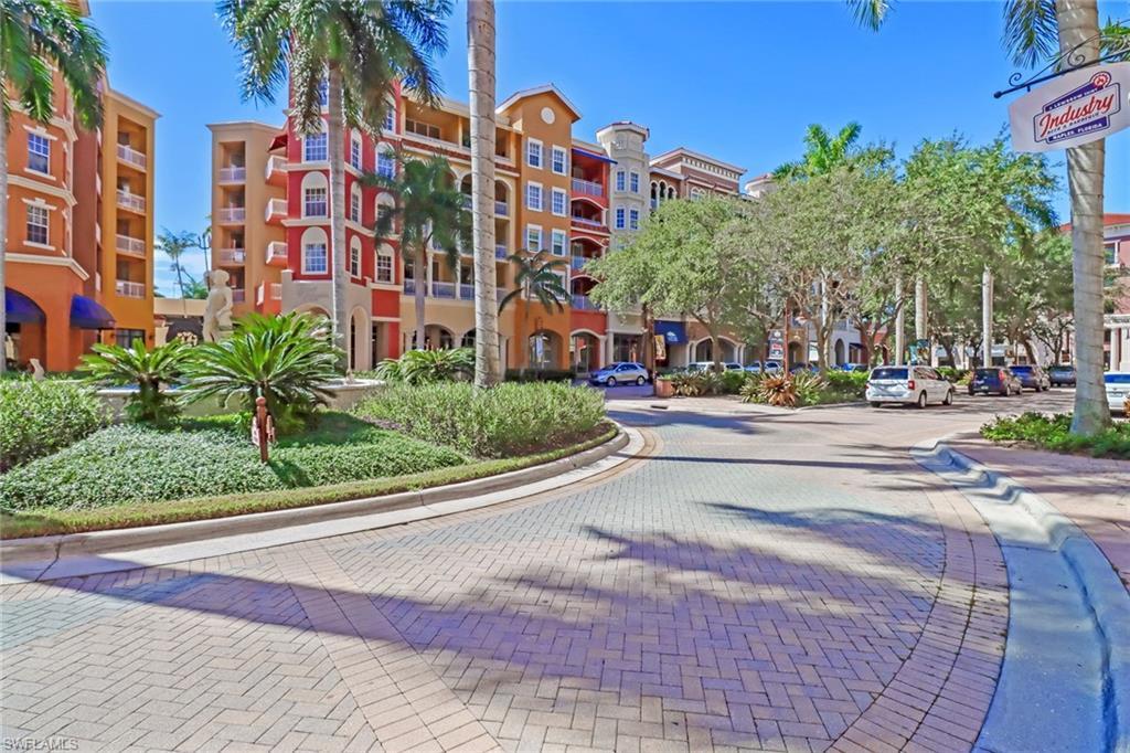 410 Bayfront Pl 2406, Naples, FL 34102