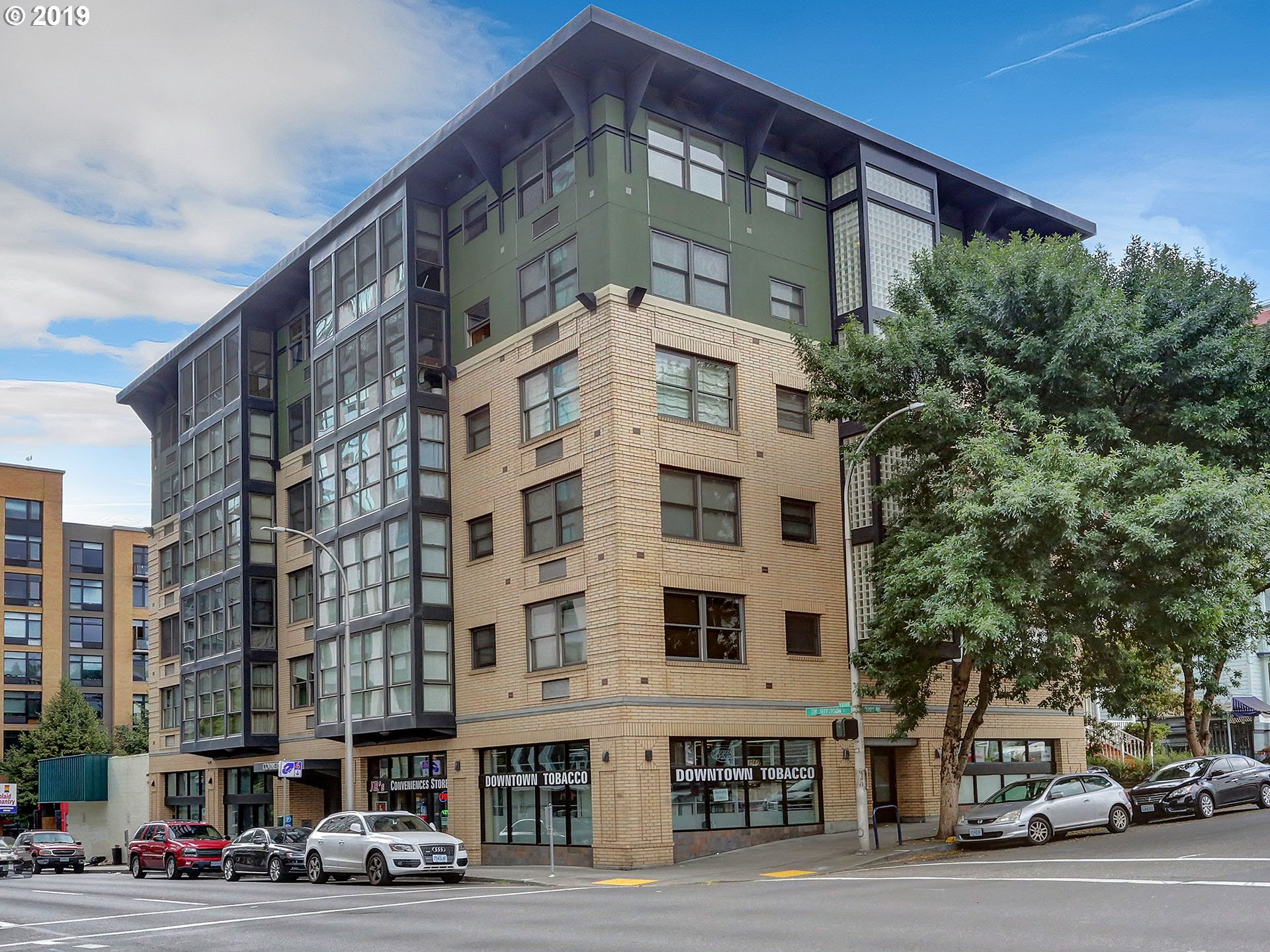 Location is key with this downtown Portland condo in the heart of the Cultural District.  Close to coffee shop, PSU, Art Museum, Central library, Brewery Blocks, Saturday Market, Safeway and more! Engineered hardwood floors and brand new stainless steel appliances. Washer/dryer combo in unit, locked basement storage and bike storage.