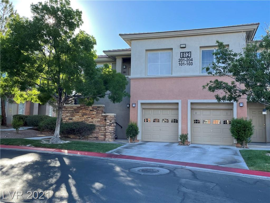 SPACIOUS 3BD/3BA W/2 PATIOS IN SUMMERLIN NEAR HOSPITAL & CONVENIENT TO SHOPPING, RECREATION AREAS, ETC W/GARAGE ENTRY TO UNIT W/AMPLE STORAGE. COMMUNITY OFFERS LUSH LANDSCAPING,POOL,SPA,BBQ AREAS,PARKS,TRAILS,ETC