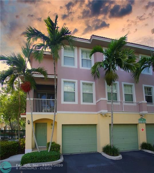 BEAUTIFUL 2/2.5 TOWNHOUSE WITH 1 CAR GARAGE.  LOCATED IN A RESORT STYLE COMMUNITY IN CORAL SPRINGS! THIS GORGEOUS CORNER UNIT FEATURES A REMODELED KITCHEN WITH GRANITE COUNTERTOPS , BRAND NEW WASHER AND DRYER, BEAUTIFUL LAMINATE FLOORS ON BEDROOMS AND HALLWAYS, TIL IN LIVING ROOM AND KITCHEN! AMAZING COMMUNITY AMENITIES, INCLUDING A CLUBHOUSE WITH POOL AND HOT TUB, BBQ AREA, BASKETBALL COURTS, FITNESS CENTER, BUSINESS CENTER, AND MUCH MORE! COMMUNITY IS LOCATED NEXT TO STORES, RESTAURANTS, AND EXPRESSWAYS. THIS UNIT IS MOVE-IN READY AND WAITING FOR YOU!
