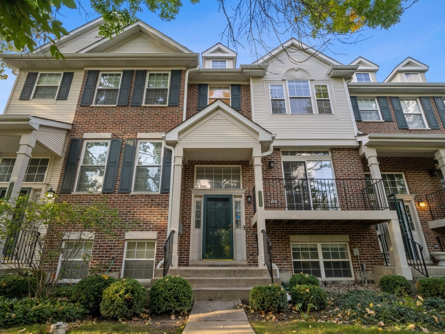 2106A Rugen Road, Glenview, IL 60026