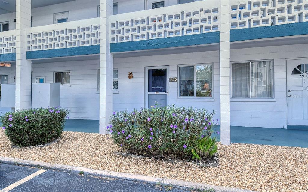 1850 Sunny Drive F4, Bradenton, FL 34207