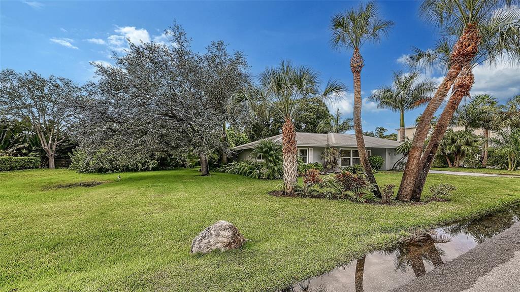 4185 Roberts Point Circle, Sarasota, FL 34242