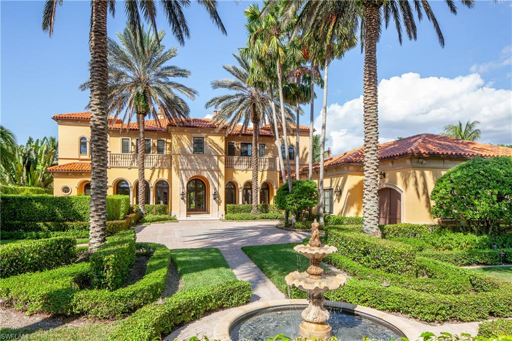 2557 Escada CT, NAPLES, FL 34109