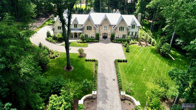 64 Oak Road, Saddle River, NJ 07458
