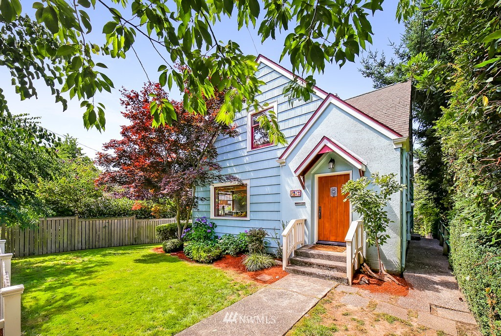 2521  29th Ave W