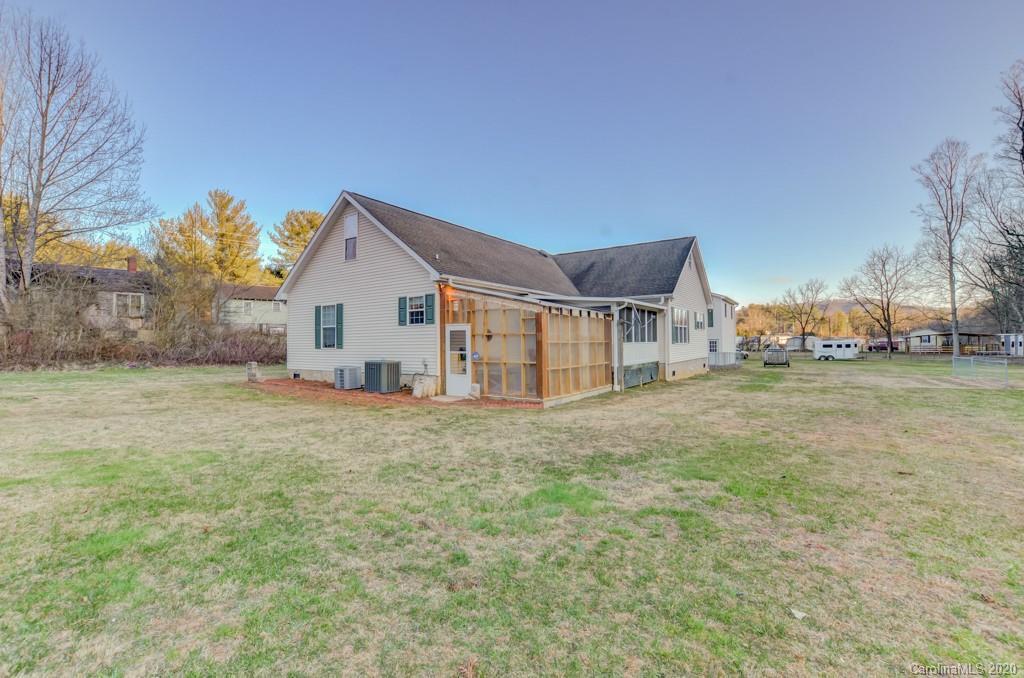 511 Mills Gap Road, Arden, NC 28704