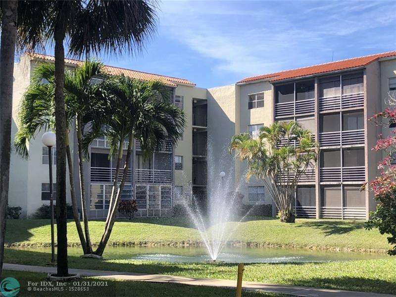Well kept 2br 2 bath Condo Unit. No rental restrictions. The Courtyards of Broward is a very well-kept gated & secure community in an excellent location. Close proximity to 3 major shopping centers. Publix and Walmart are nearby; Hampton Park is blocks away & community is close to the Turnpike. Residents enjoy a Heated pool, billiards, exercise room, and a library with Wi-fi service. All ages are welcome.  Pet friendly with restrictions on breed and weight. Close to shops, schools, major roads, everything in close proximity. Great for investors or Residency..