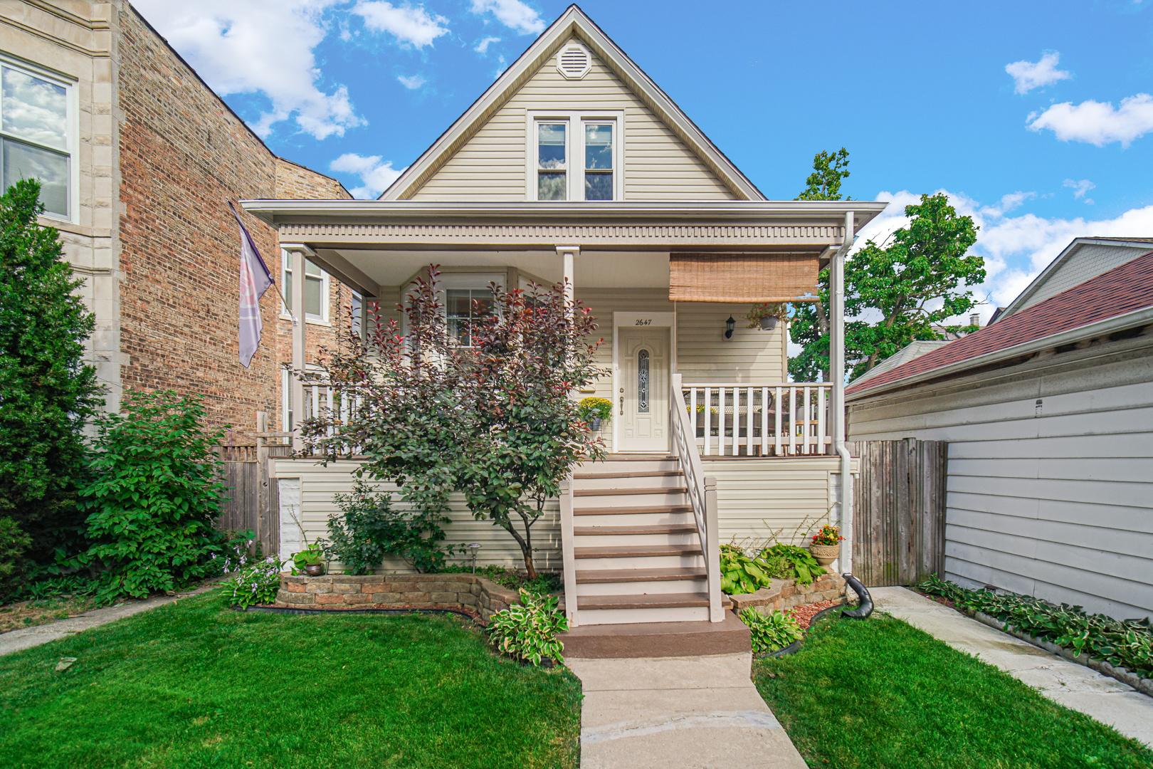2647 N Saint Louis Avenue, Chicago, IL 60647