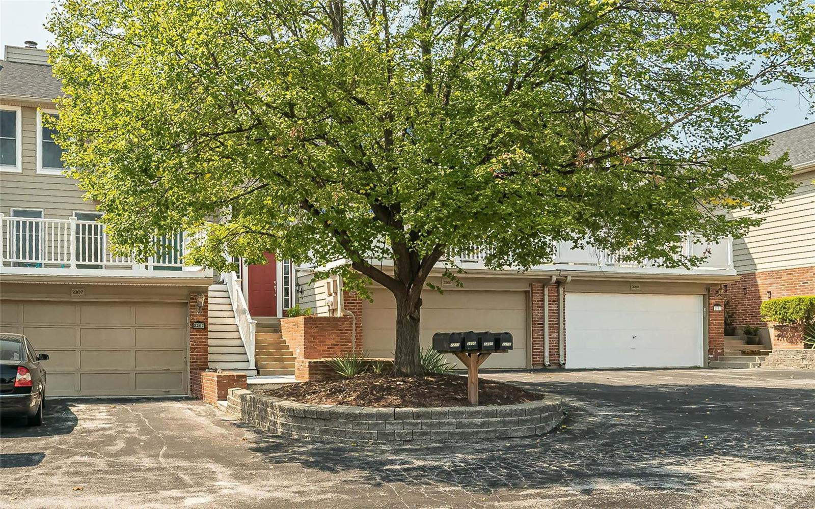 2205 Clayville Court, Chesterfield, MO 63017