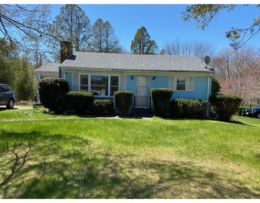 Ideal for Investor or Build Sweat Equity!  This 2 Bed 1 Bath Single Level Home is just waiting for your personal cosmetic touches! Great Layout & Solid Built Home Located on a Beautiful Lot.  Don't Miss Out on this Great Opportunity to make this Home Yours!