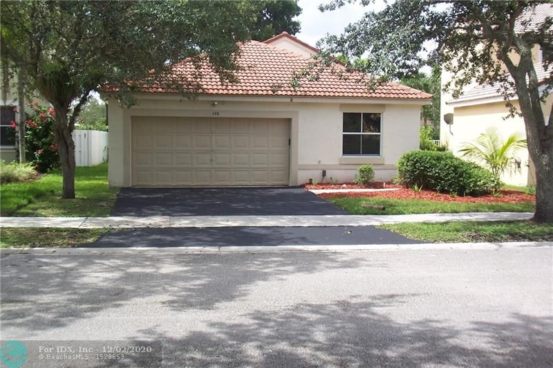 1st time offered for sale, 1 story 3/2 with a family room. aggressively priced for quick sale. Located in a gated neighborhood with attended personnel at the guard house. The Falls is one of the nicest, well kept and managed family neighborhoods in Weston with close proximity to schools, shopping and houses of worship. The house is clean and in move in condition, ready for your prospect's personal touches