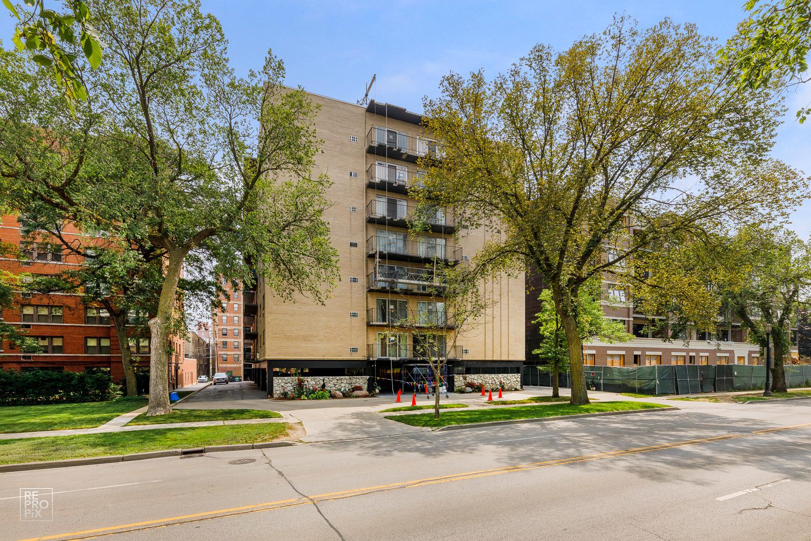 1567 Ridge Avenue 407, Evanston, IL 60201