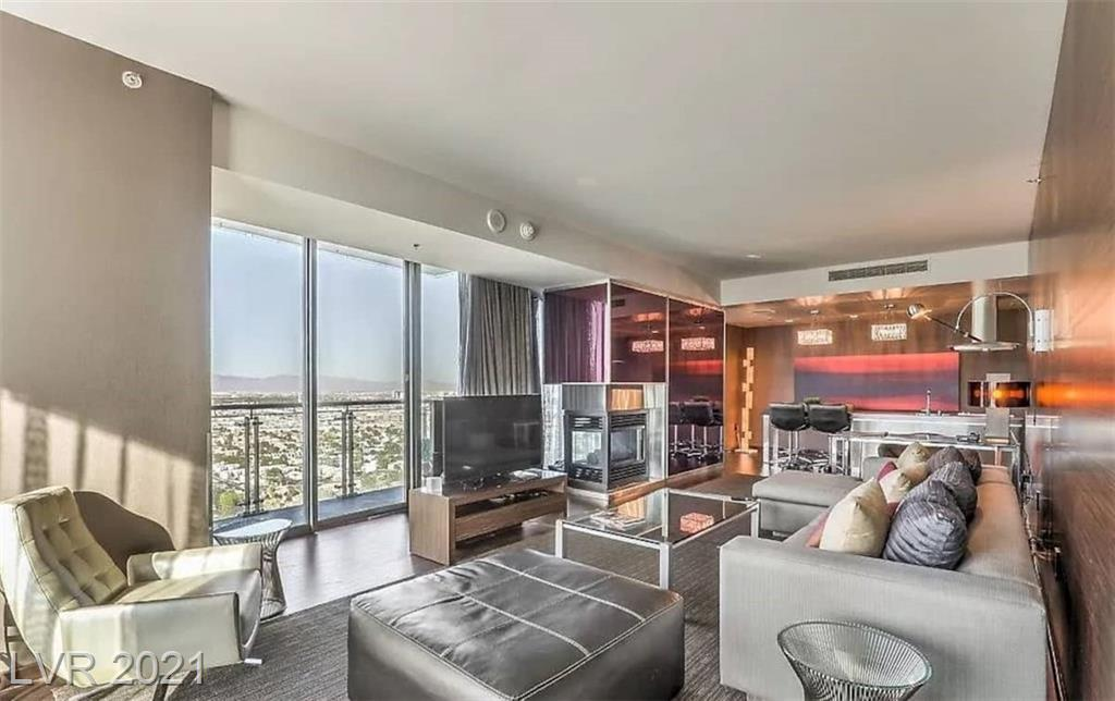 Fantastic Corner View Unit 32 floor With 270 sq ft balcony complete resort with spa close to T Mobile, Raiders Stadium ,Show Venues  . #1 in my rental pool and on Air B and B income producing  You can choose to participate in the rental program or ABB.Your friends will thank you . dont miss this opportunity Of a Vegas High Rise .