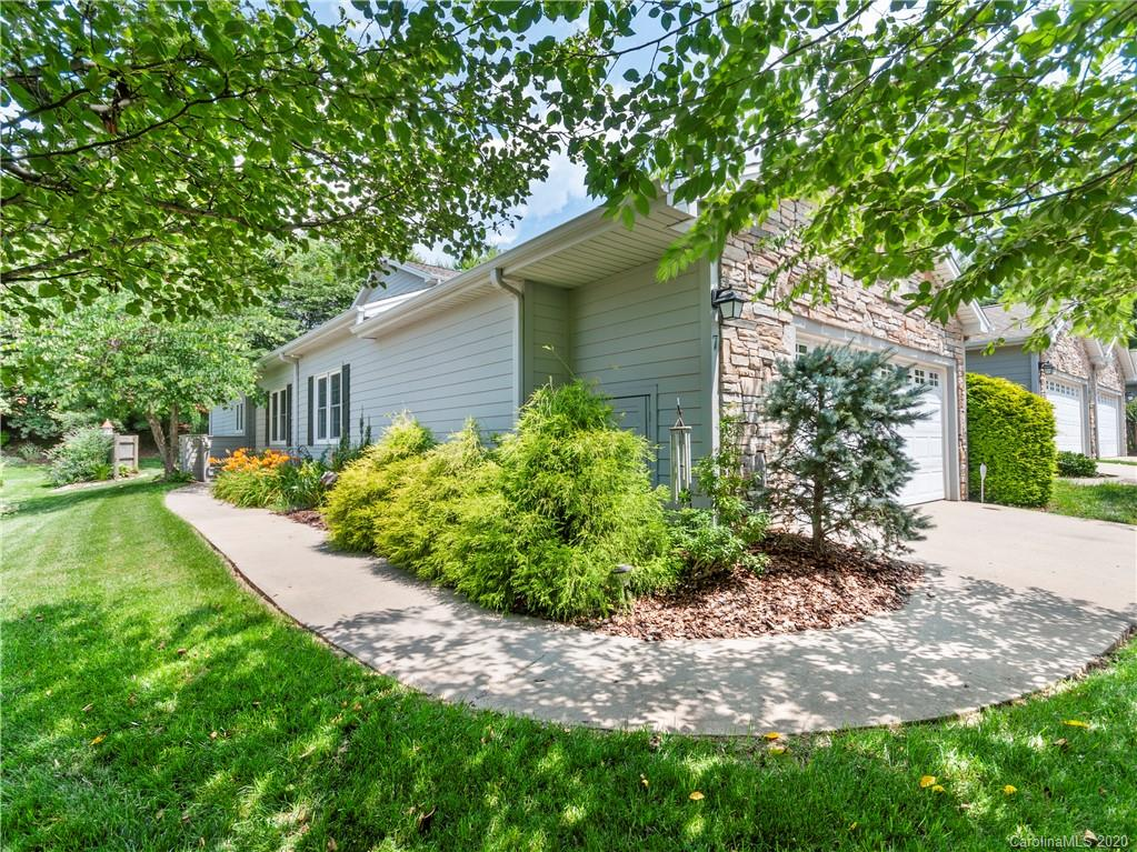 7 Holiday Drive, Arden, NC 28704