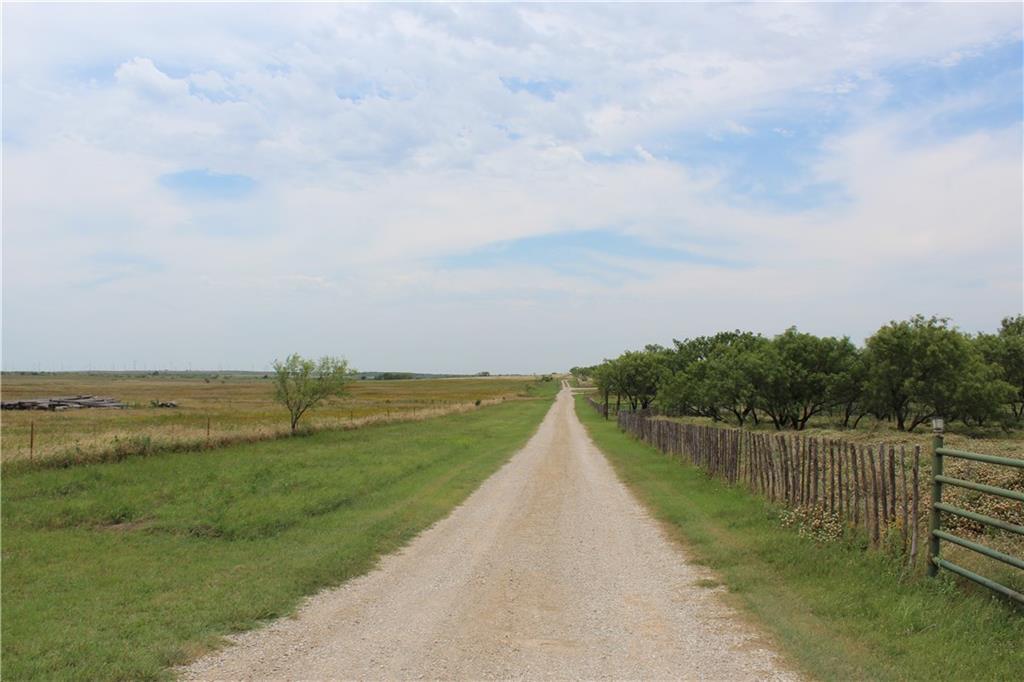 5058 S Myers Road, Henrietta, TX 76365
