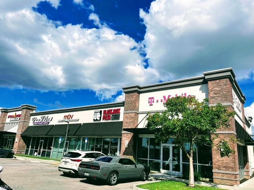 Prime location right on US41/Tamiami trail=high traffic street! approximately 30k per day  1 story building built in 2017-Shopping/Retail/Storefront 100%  occupied with with long-term tenants includes national tenant T-Mobile. 41 parking spaces plus 2 handicaps.  Each tenant space has the main entrance and from the back.