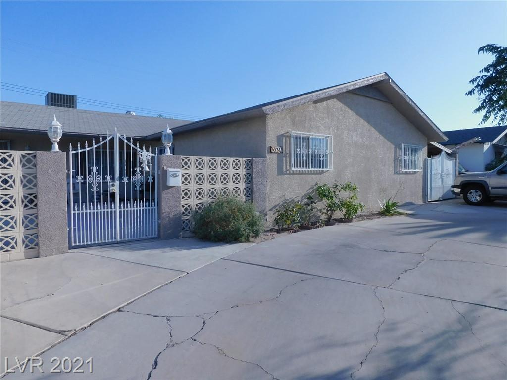 1 story 1976 SQ FT  5 Bedroom 2 Full Baths, Huge LIVING ROOM, WITH EAT IN KITCHEN FAMILYROOM DINING COMBO, ALL APPLIANCES STAY,GOOD SIZE BEDROOMS W/CEILING FANS, TILE FLOORS,COVERED RV/BOAT GATES STORAGE SHED. GARDEN AREA,FENCED COURT YARD.
