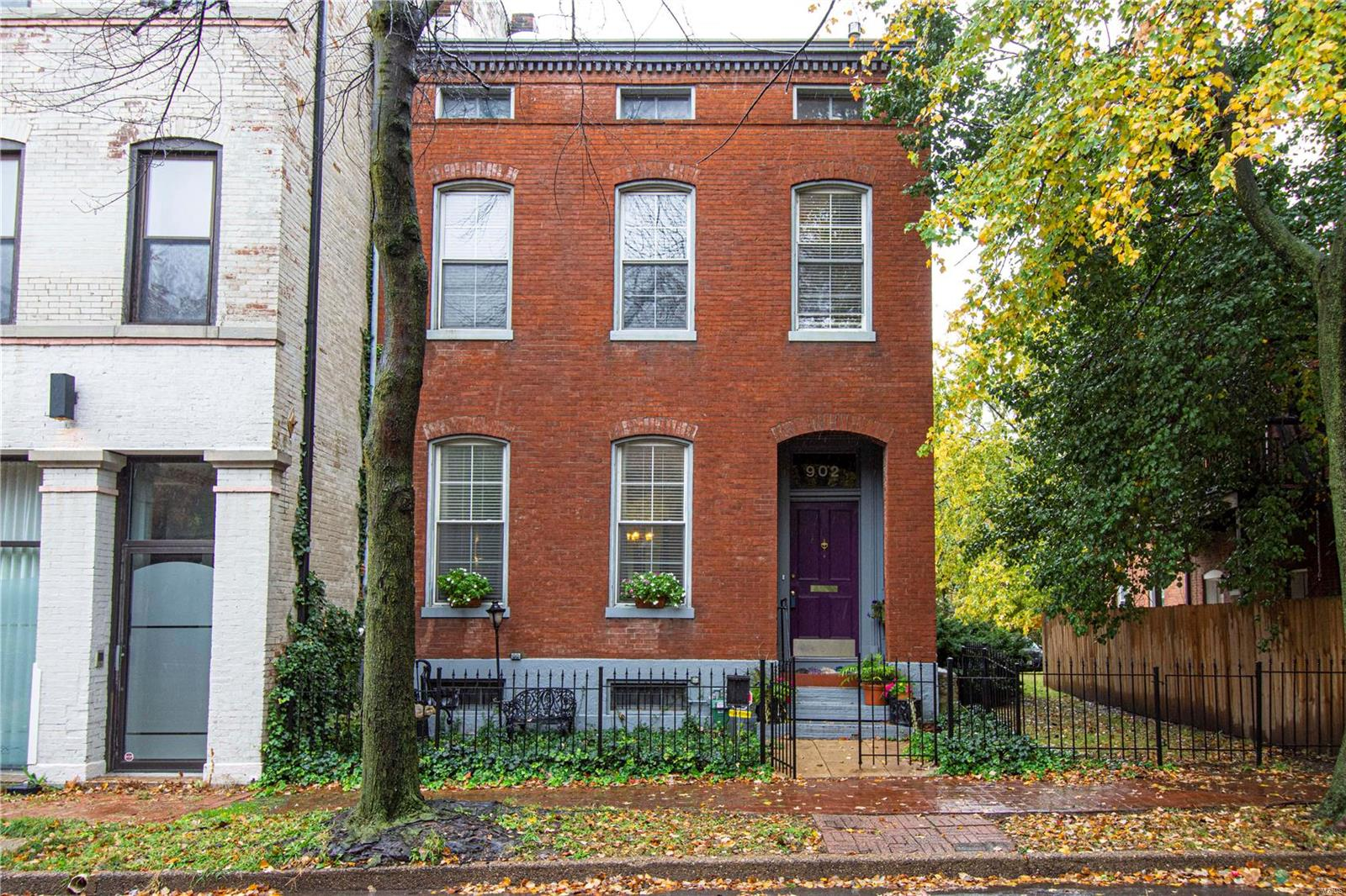 902 Hickory, St Louis, MO 63104