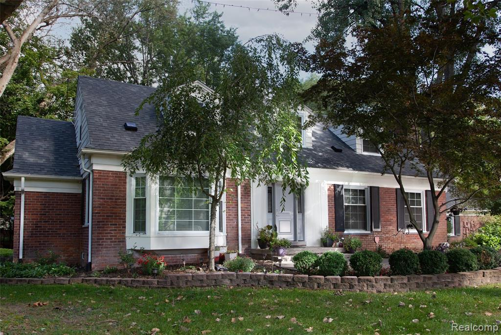 Fabulous Franklin Brick Cape Cod on a premier street in the heart of the Village. This stylish home is on a beautiful 1-acre corner lot and features 3 spacious bedrooms and 2.5 baths, including an expansive master suite on the main floor. The home has a magnificent living room with gorgeous natural fireplace, a wonderful dining room, and a lovely eat-in kitchen. Off the kitchen enjoy a great sun porch leading you to both the 2 car attached garage & the amazing backyard. The incredible finished basement is the perfect place for relaxing and entertaining. Welcome to your stunning new Franklin Village home!