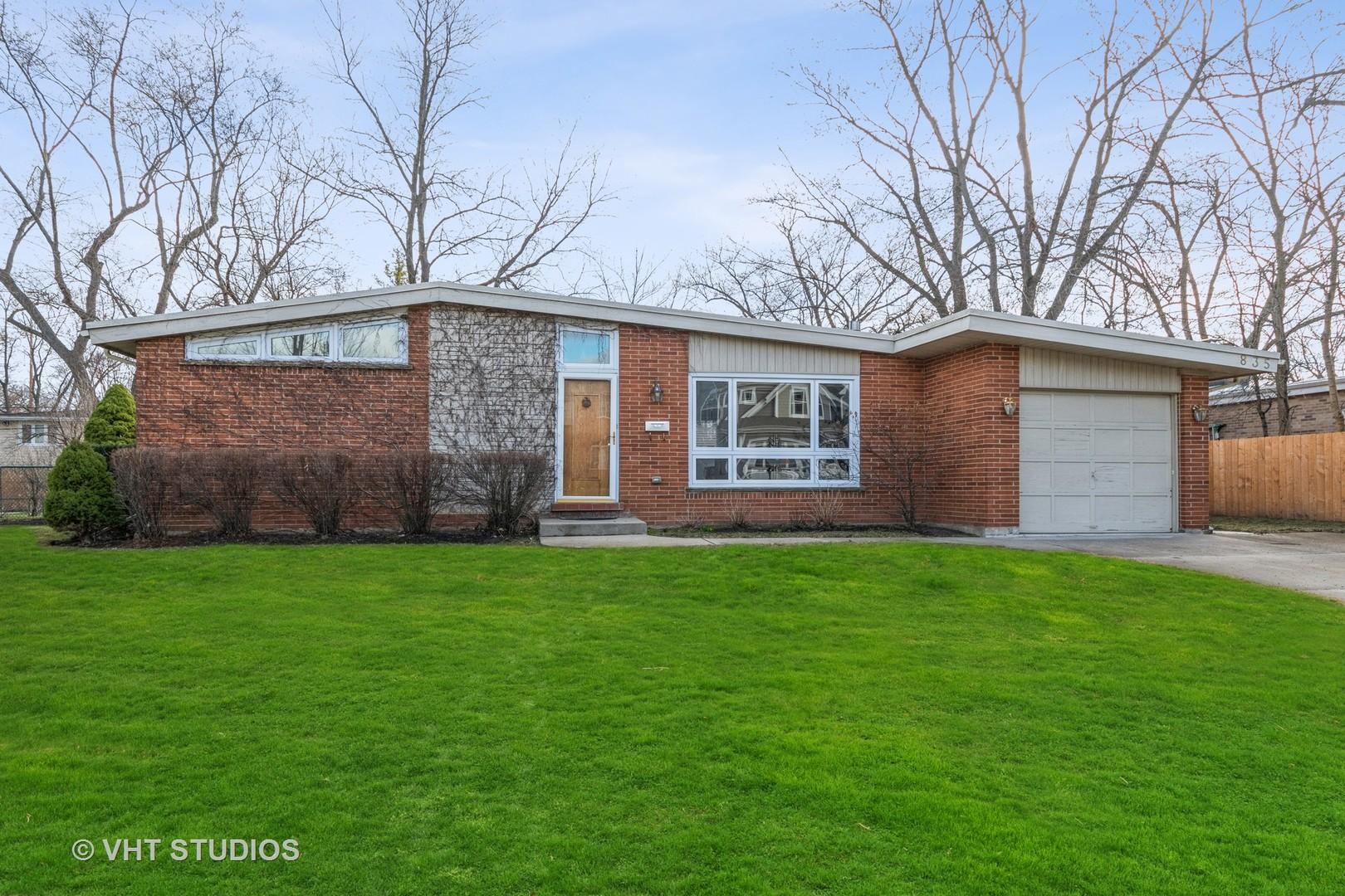 835 Virginia Road, Highland Park, IL 60035