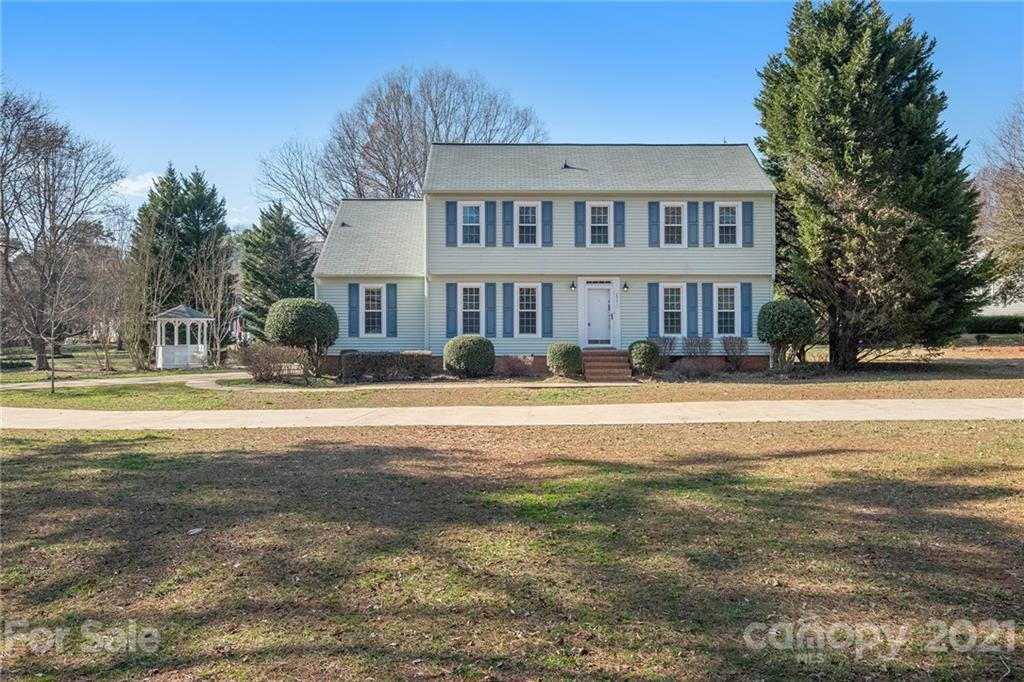 This Matthews two-story corner home offers a patio, and granite countertops.