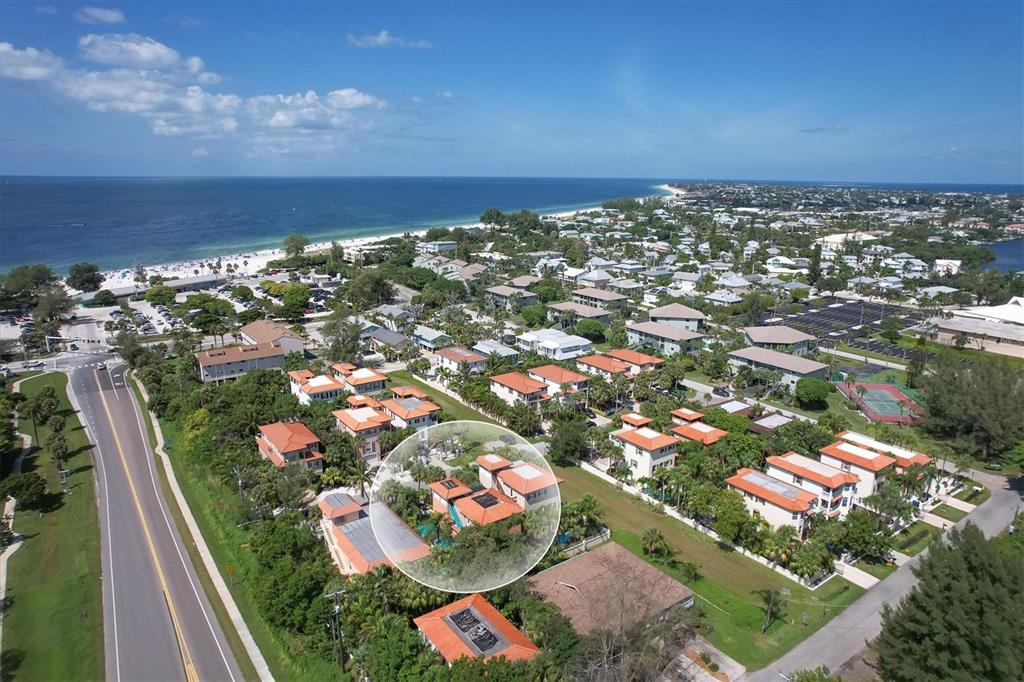 4003 5Th Avenue, Holmes Beach, FL 34217