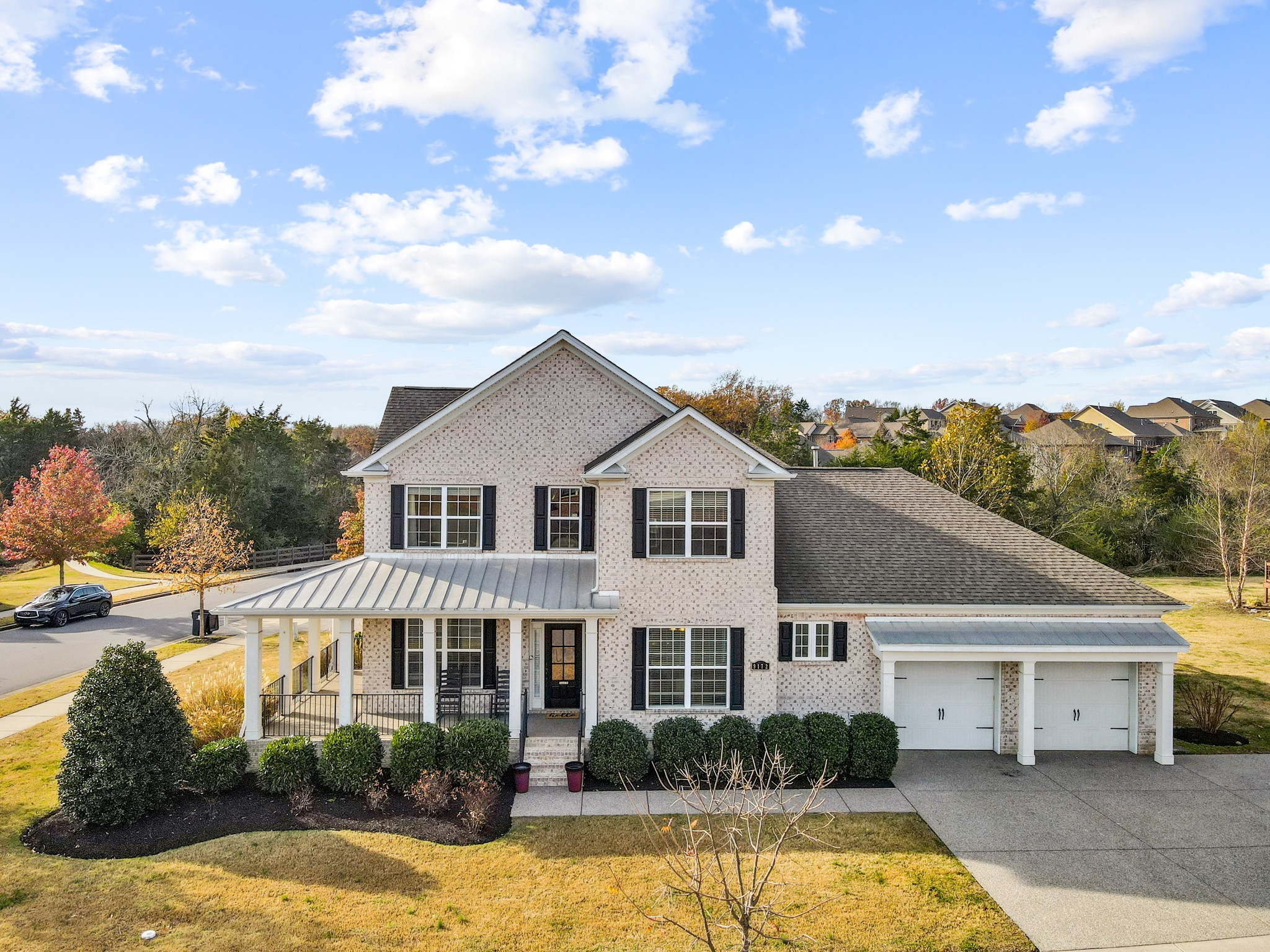Williamson County! This beautiful corner lot boasts 5 bedrooms, open floor plan, eat in kitchen + formal dining! Perfect room for office to WFH! 2 fireplaces, owners suite on main! Large lot, wrap around porch, new paint and carpet throughout! Great location in Burkitt Place!