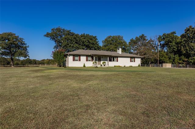 2370 W Community Chapel, Atoka, OK 74525