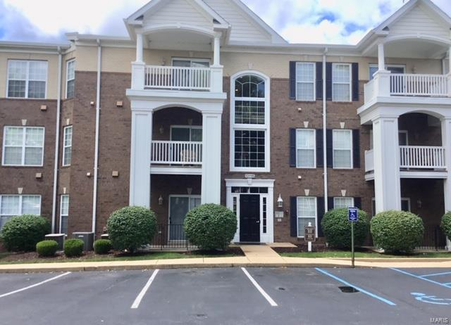 13115 Mill Crossing Court, Creve Coeur, MO 63141