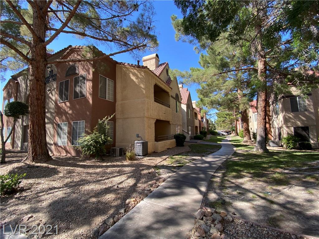 ** 2BED/2BATH CONDO WITH COMMUNITY FACILITIES IN CANYON LAKE RESIDENCE ** 1ST FLOOR CONDO WITH LAMINATE FLOORING IN MAIN LIVING AREA ** FIREPLACE AND COVERED PATIO ACCESS FROM LIVING ROOM ** KITCHEN WITH WALK-IN-PANTRY & GRANITE COUNTERTOPS ** COMMUNITY FACILITIES; CLUBHOUSE, 2 POOLS & 2 SPAS WITH LOTS OF DECK SPACE & COVERED PATIO. PUTTING GREEN, WALKING TRAILS, TENNIS AND BASKETBALL COURTS** GUARD GATED GROUNDS **