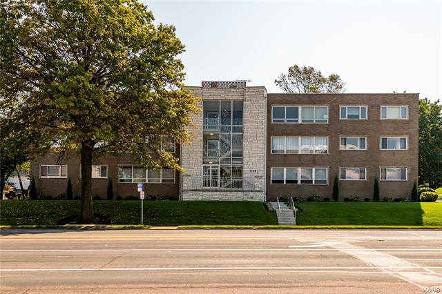 520 S Brentwood Boulevard, Clayton, MO 63105
