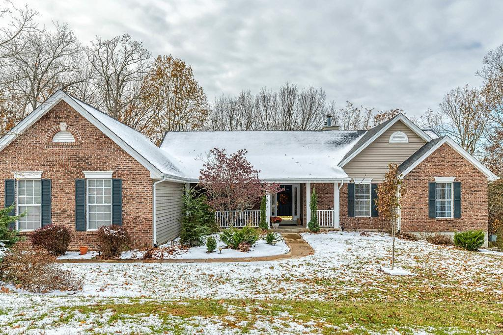 17438 Radcliffe Place Dr, Wildwood, MO 63025