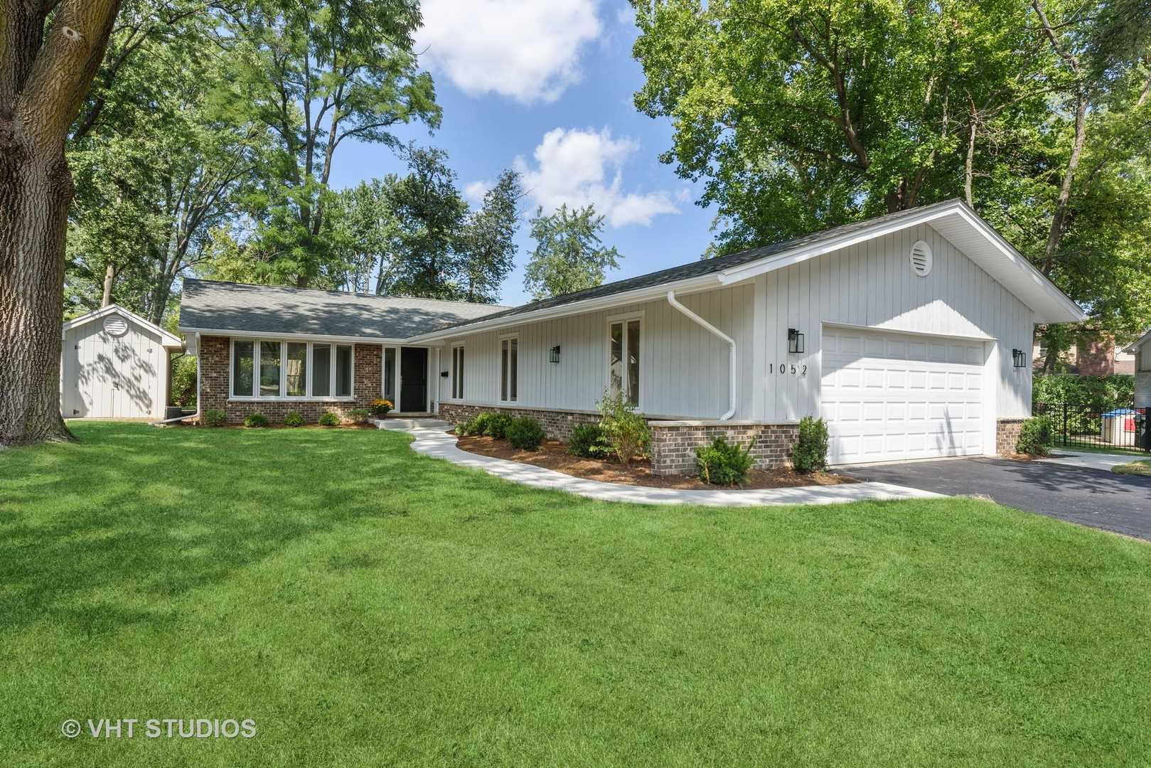 1052 Rolling Pass, Glenview, IL 60025