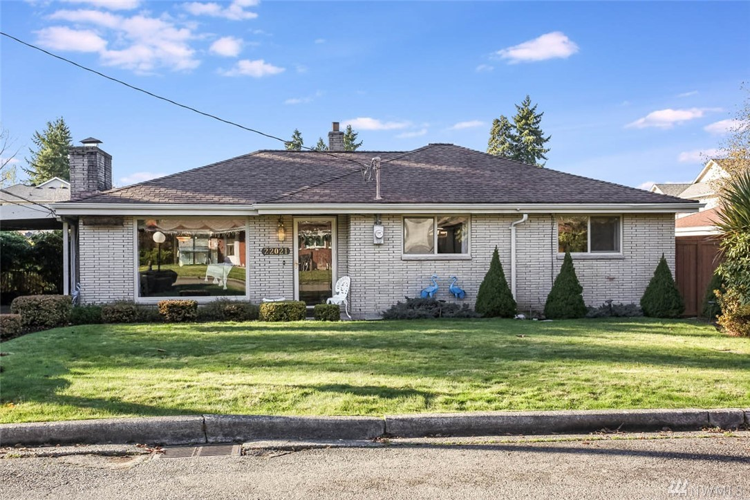 TWO HOMES IN ONE W/INVESTMENT OPPORTUNITY! Studio w/courtyard entrance is perfect for extra living OR income potential. Enjoy spacious rooms w/open floor plan for easy entertaining. Enclosed sunroom allows natural light throughout. Eat-in kitchen features newer stainless steel refrigerator and granite counters. Guest bath w/newer tile and vanity. Enjoy the fully fenced, well-manicured backyard. Ideal commuter location w/easy access to freeways, rapid transit, major retail, dining & business hubs