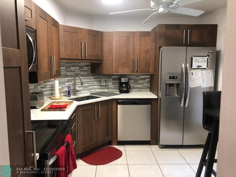 THIS BEAUTIFUL 3 BED 2 BATH IS A HIDDEN GEM LOCATED IN GARDENS LAKES OF INVERRARY. THIS LOVELY, WELL KEPT CORNER UNIT IS LOCATED ON THE FIRST FLOOR. THIS IS A RARE 3/2 UNIT IN THE GARDENS LAKES OF INVERRARY, A GOLF COURSE COMMUNITY. ENJOY THE SPACIOUS LAYOUT OF THE LIVING AREA, UPGRADED KITCHEN, STAINLESS STEEL APPLIANCES, AND NICELY TILE FLOORS. OUTSTANDING LOCATION CLOSE TO OAKLAND PARK BLVD & TURNPIKE, MANY AMENITIES WITH LOW HOA FEE.